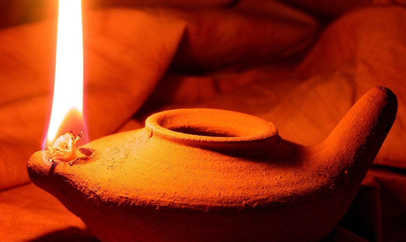 जलायें ज्ञान का दीपक